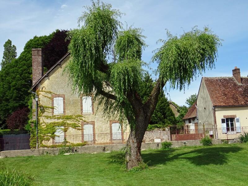 MEZILLES (Yonne) : n° 8 et fin