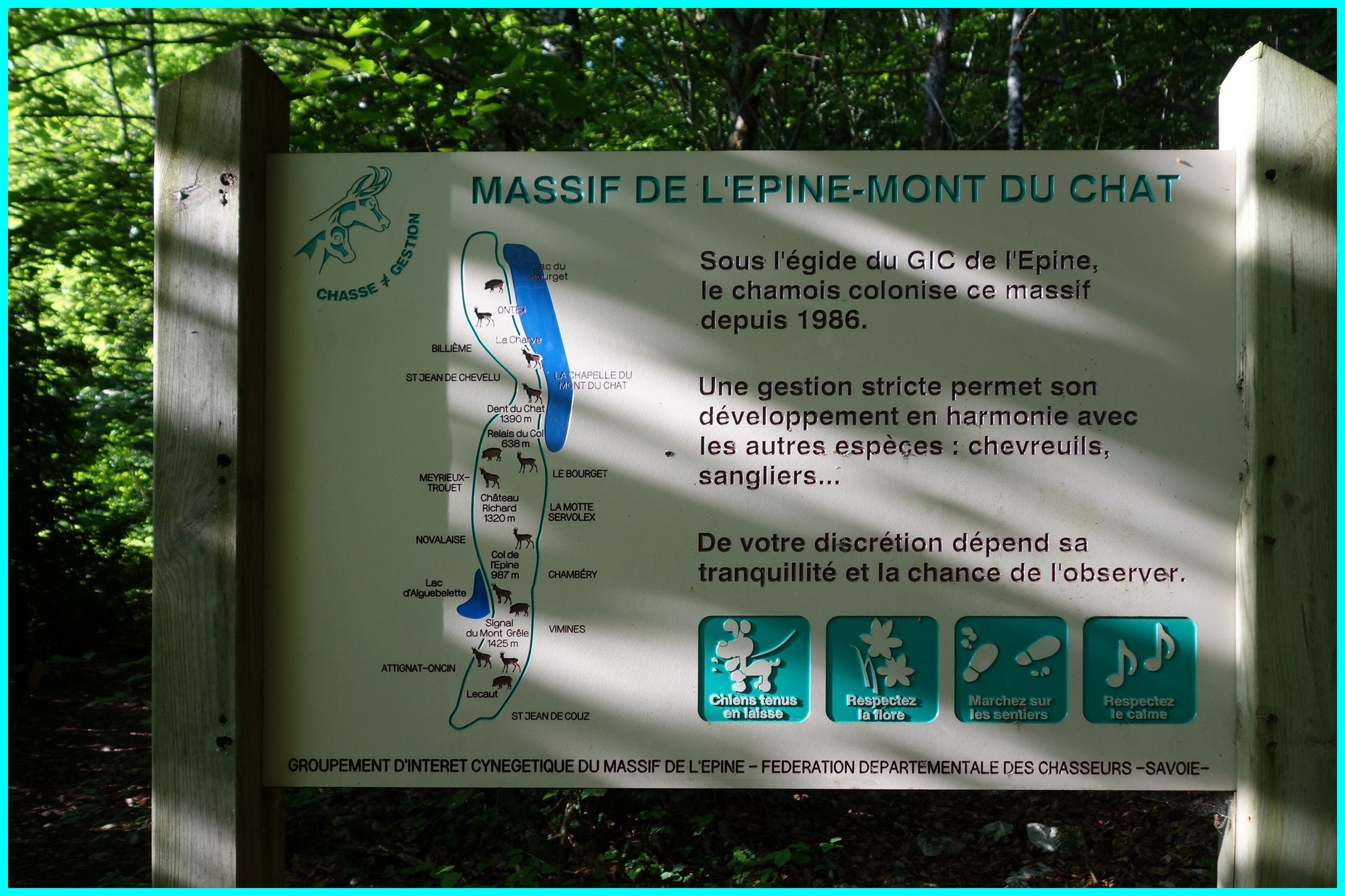Panneau d'information sur la chaîne de l'Épine
