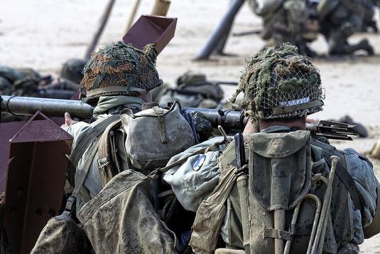 La police espagnole saisit 20.000 uniformes destinés aux djihadistes