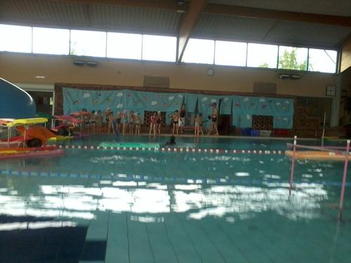 ça plane à la piscine !!!