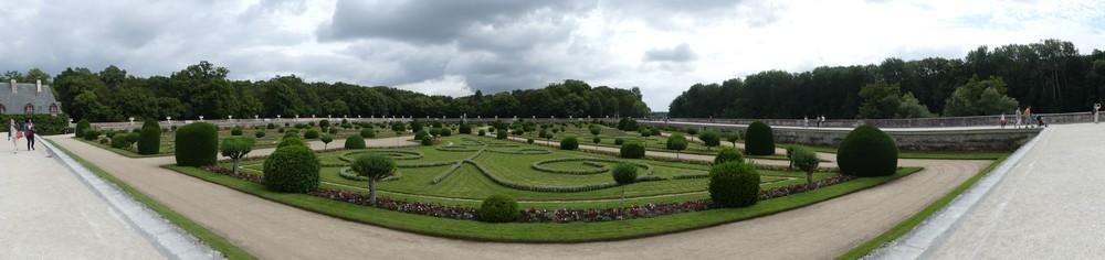 Les jardins du château de Chenonceau...