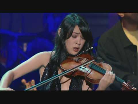 LUCIA MICARELLI ET CHRIS BOTTI, Violonistes remarquables (Rubrique)