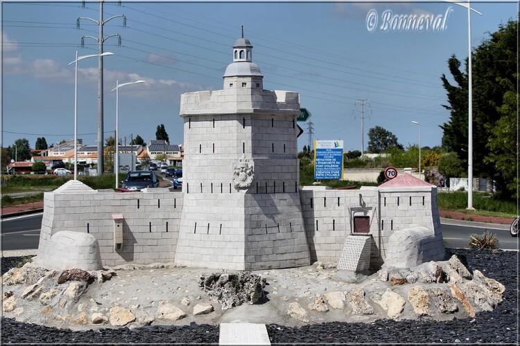 Rond-point Bourcefranc Le Chapus Fort Louvois CharenteLMaritime :