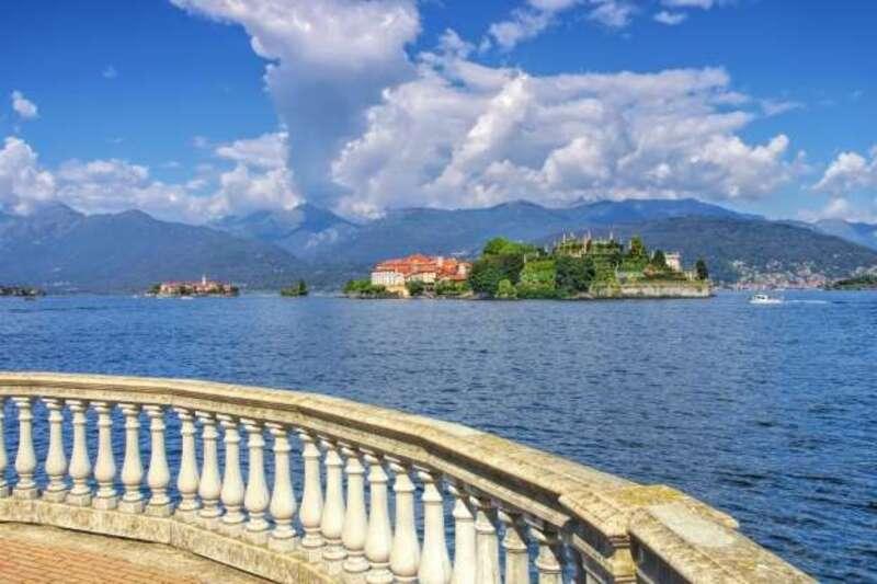 idée vacance : lac majeur - une promenade insolite loin de la foule