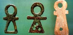 Les Amulettes M1ZAuMSizz2FHugFA_2Gtk98d1U@239x116