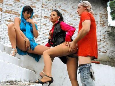 Trios - 2 femmes/1homme