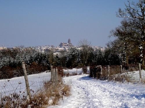 Sdécembre est sous la neige...