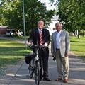 Henning Görtz, le nouveau maire et son prédécesseur Werner Mitsch
