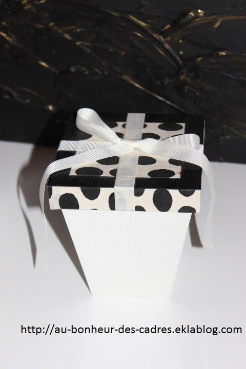 Cartonnage : duo de boites trapèze à pois