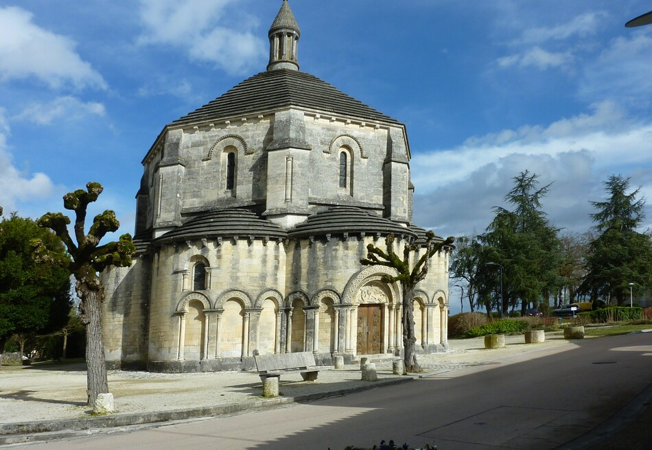 Eglise de St Michel d'Entraygues.(1)