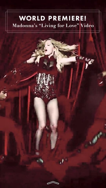 Madonna - Living For Love Video Premiere (2)
