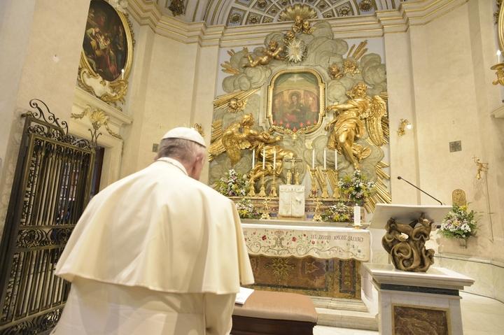 """Le pape prie la """"Vierge du Miracle"""" pour la paix en Syrie et dans le monde - Zenit"""