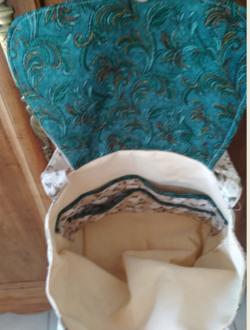 CATHERINE un sac en broderie traditionnelle .....