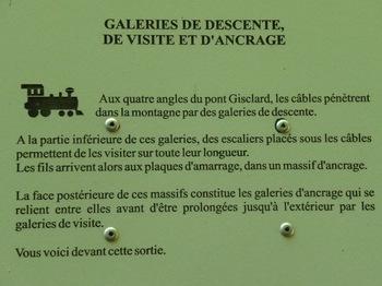 Panneau d'information le long du sentier