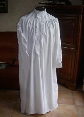 Très ancienne chemise de-nuit homme