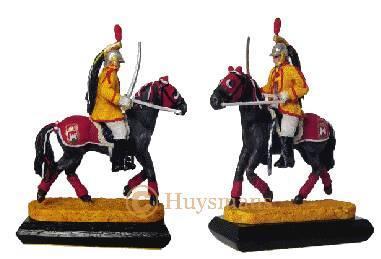 Objet souvenir de la Ducasse de Mons: figurine Saint Georges, acteur du Doudou - Arts et sculpture: sculpteurs, artisans d'art