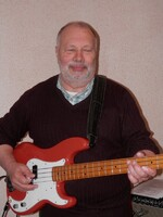 Pierre - guitare Basse