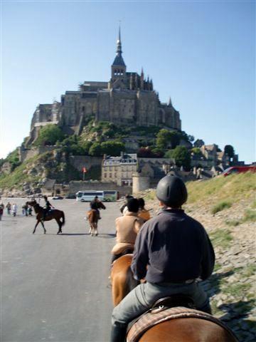 crinières et sabots au Mont St Michel