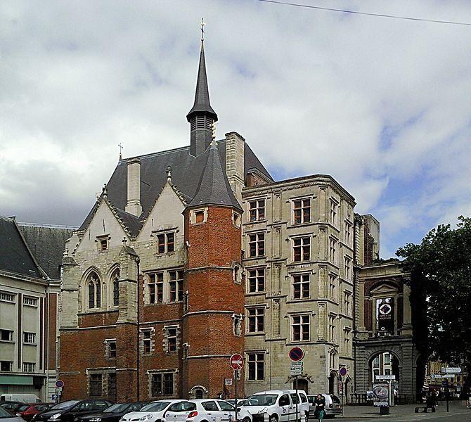 670px-Lille_Palais_Rihour.jpg