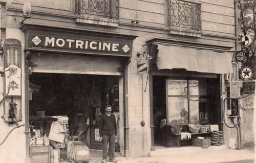 """Le grand Almanach de la France : Les premières """"stations-service"""""""
