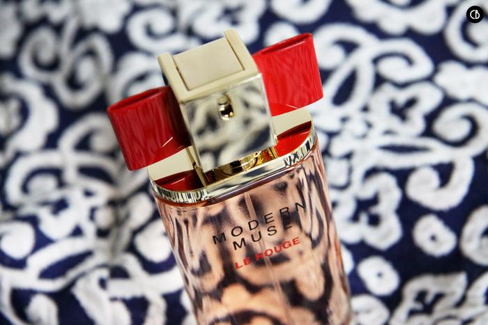 Estée Lauder et son nouveau parfum sexy