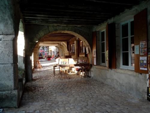 Noyers sur Serein, une cité médiévale...