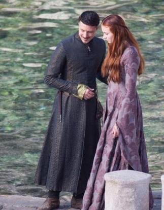 Robe violette Sansa