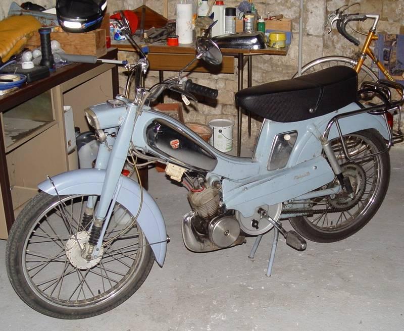 mobylette Motobécane AV88