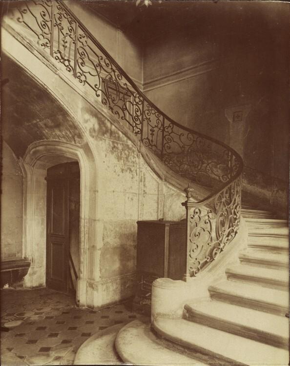 Atget Paris Hotel de la Brinvilliers l empoisonneuse Rue Charles V 12 594x750 Le Paris de 1900 par Atget