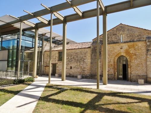 Musée des tumuli de Bougon dans les Deux-Sèvres