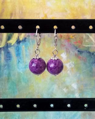 Boucles dormeuses mauves pierre de Purpurite boules 12mm / Plaqué argent