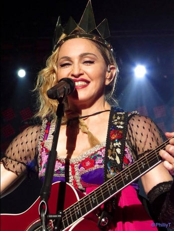 Rebel Heart Tour - 2015 10 22 - Glendale (3)