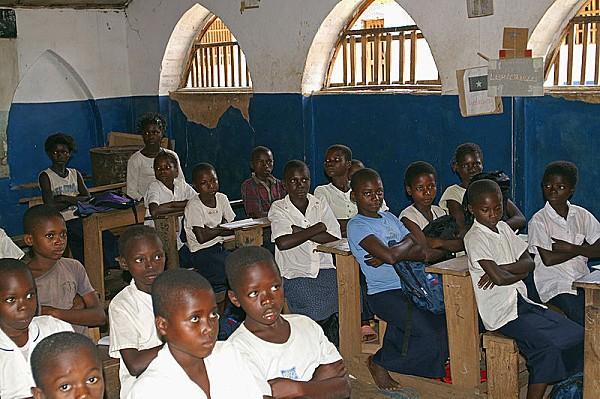 800px-DRC classroom