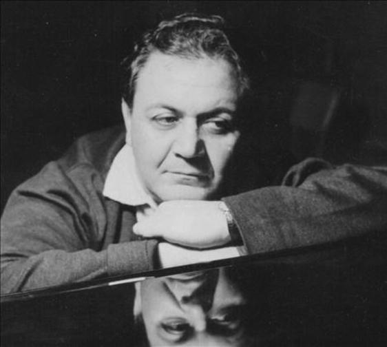 Manos Hadjidakis : Μη τον ρωτάς τον ουρανό * All alone am I
