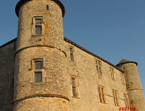CHATEAU TAURINES (3)