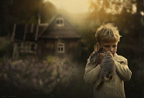 Cette photographe russe met en scène ses fils