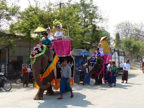 Shin byu ou fête du noviciat dans un autre village