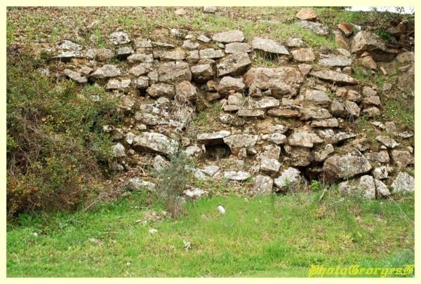 Vieux-mur-de-pierres.jpg