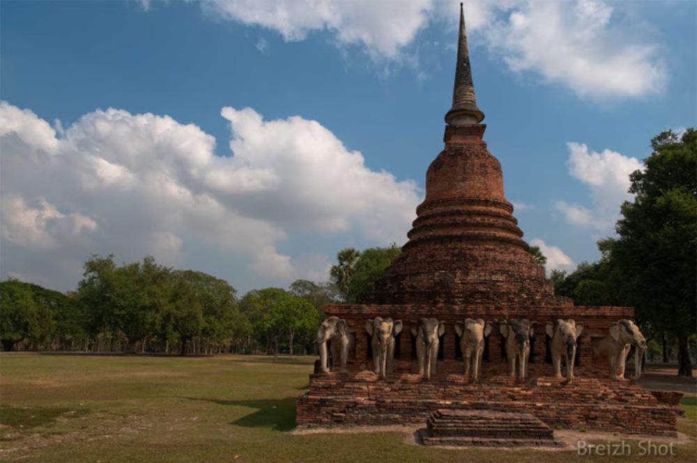 Wat Sorasak - Sukhothai - elephants
