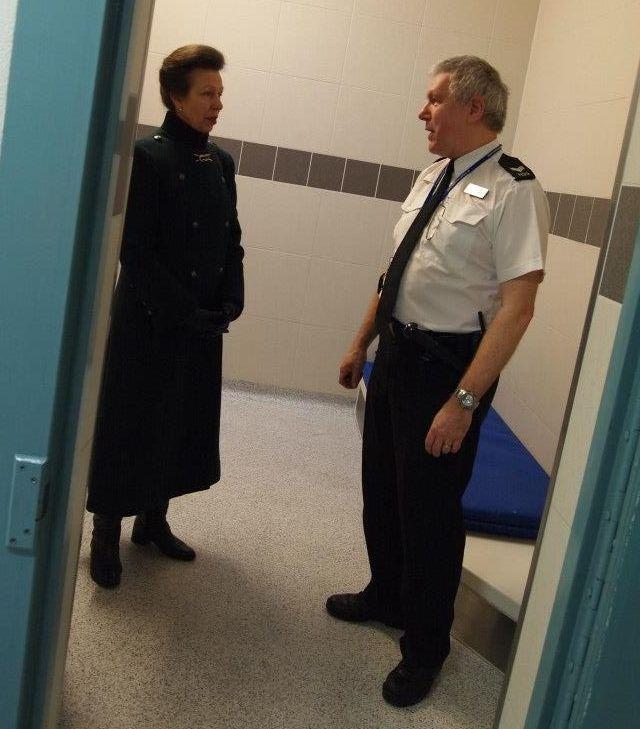 Anne et la police
