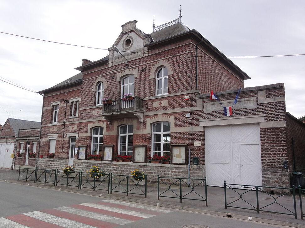 Mairie-école.
