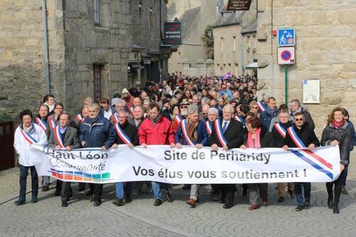 Parmi les élus, Nicolas Floch (maire de Saint-Pol), Joseph Seité (maire de Roscoff), Maël de Calan (conseiller départemental).