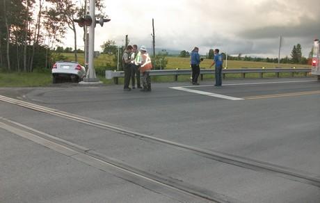 Une automobile happée par un train de marchandises près du carrefour giratoire à Nantes