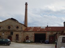 usine pression huile d'olive en ruines