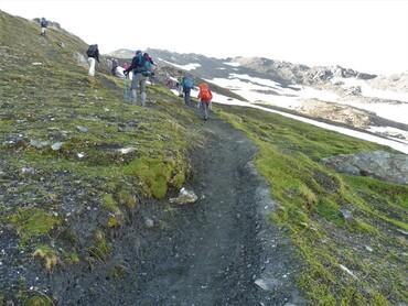 Du Refuge du Fond des Fours (2534 m) au Col des Fours (2976 m)