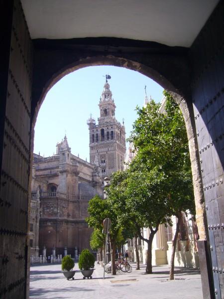 Seville porte sur Giralda