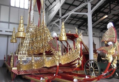 Musée national de Bangkok : la galerie des chars funéraires royaux