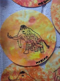 AV: animal préhistorique sur fond d'encre