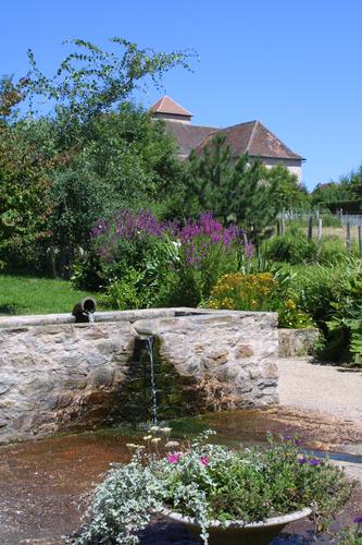 Janailhac, fontaine Saint-Eutrope