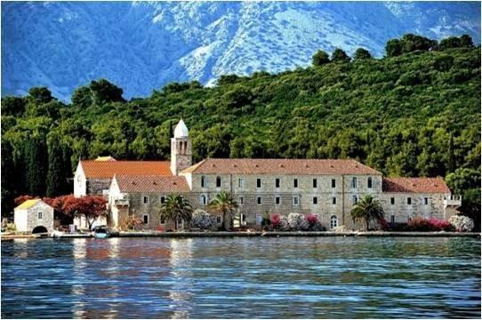 2-Monastère de l' ile Badija en Croatie. Franciscains